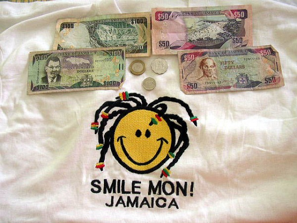 Jamaican currency and a souvenir shirt, ©sun dazed/Flickr